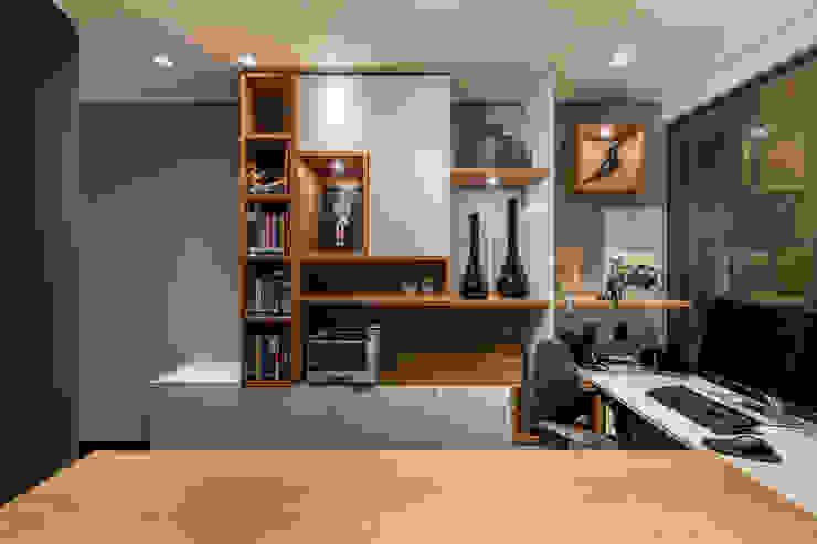 Sala Sócio Diretor | Detalhe Arquitetura Sônia Beltrão & associados Espaços comerciais modernos Madeira Multi colorido