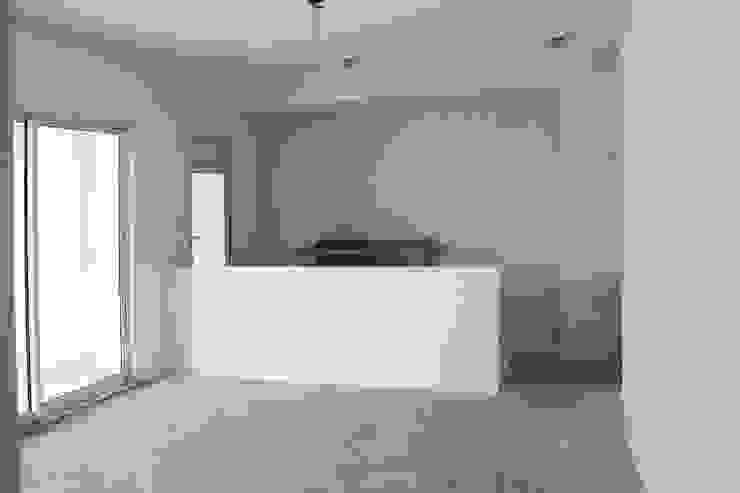 Antes da Reforma: Vista da Cozinha por Marcos Takiguthi Arquiteto