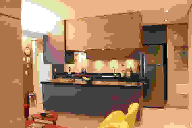 Depois da Reforma: Vista da Cozinha por Marcos Takiguthi Arquiteto