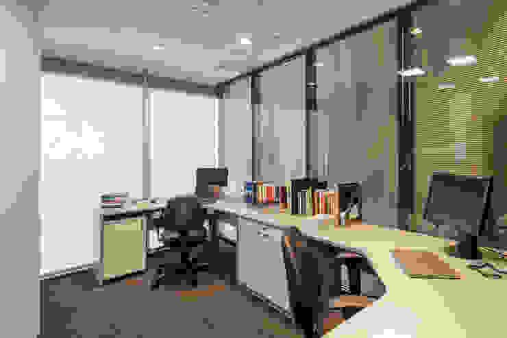 Escritório Padrão | Advogados Contratados Arquitetura Sônia Beltrão & associados Espaços comerciais modernos Vidro Cinza