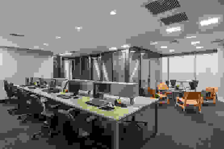 Operacional Arquitetura Sônia Beltrão & associados Espaços comerciais modernos Vidro Multi colorido