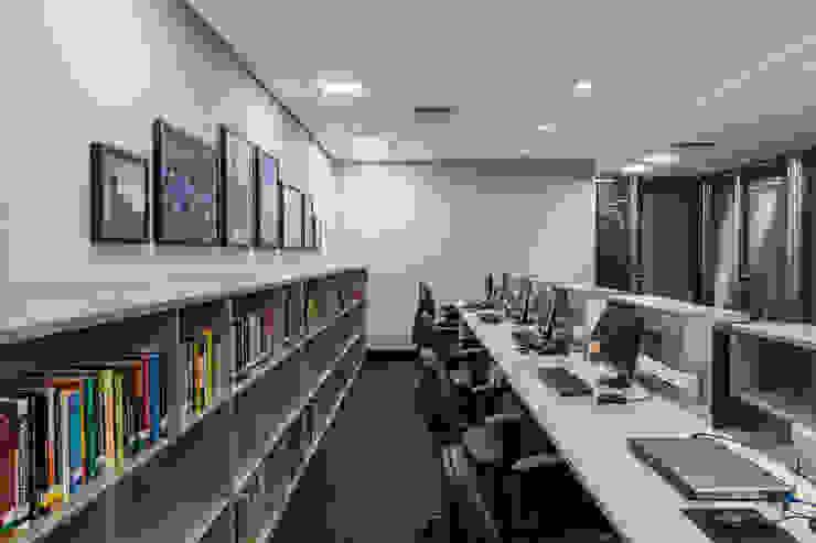 Operacional | Ilha | Apoio Arquitetura Sônia Beltrão & associados Espaços comerciais modernos MDF Cinza