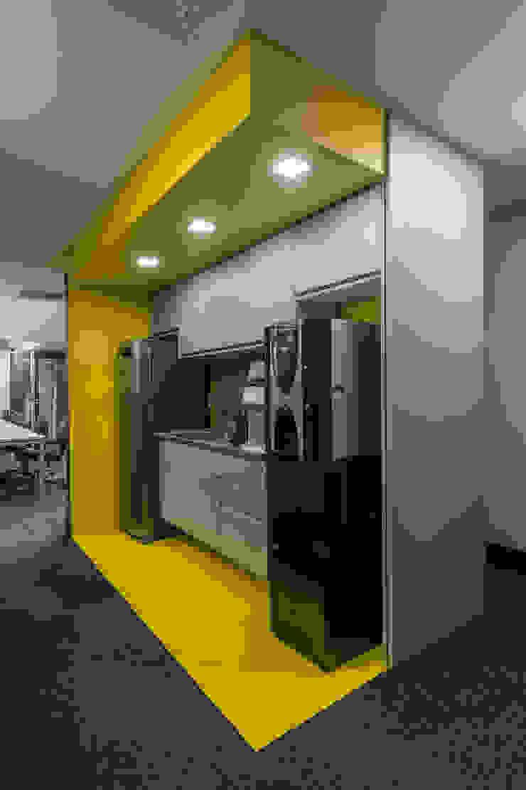 Arquitetura Sônia Beltrão & associados Commercial Spaces Stone Yellow