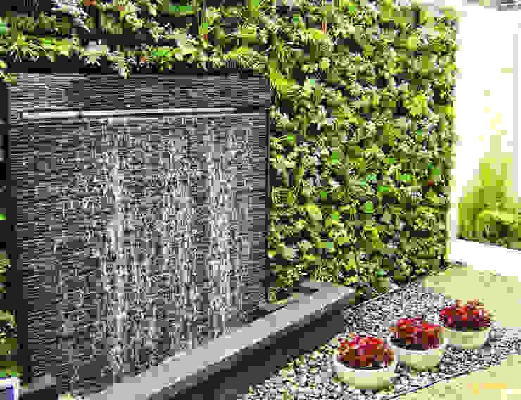Jardín Vertical Casa La Calera Jardines de estilo moderno de Paisaje Urbano Moderno