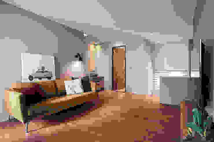 起居室 根據 黃巢設計工務店/戴小芹建築師事務所 現代風