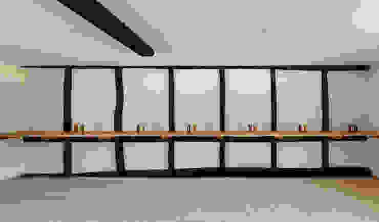 de 神家昭雄建築研究室 Asiático Madera Acabado en madera