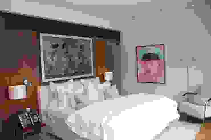 Bedroom Darren Design & Associates 戴倫設計 Modern style bedroom Wood White