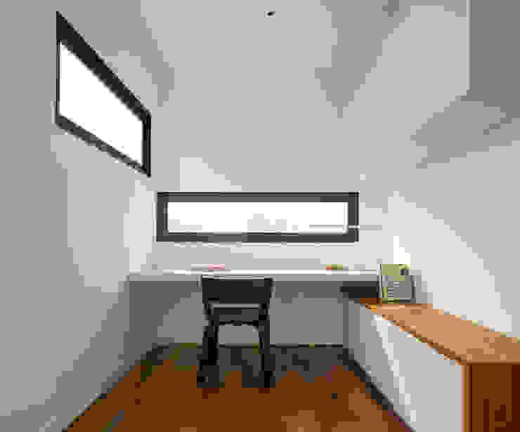 Frame House Atelier M+A Modern study/office