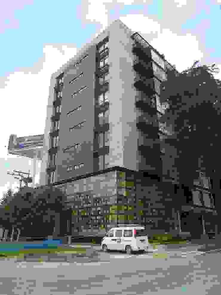 FACHADA Casas modernas de BSArquitectos Moderno