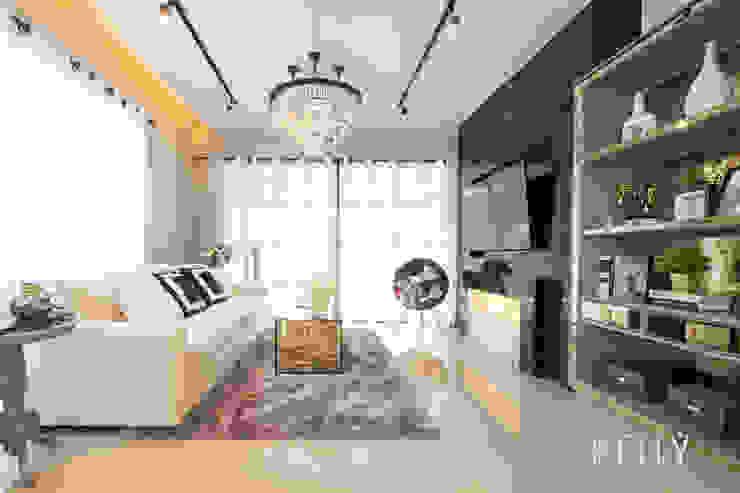 โครงการเฌอคูณ สาทร – ราชพฤกษ์ บ้านทาวน์โฮม 3 ชั้น บริษัท โกลบอล สปริง จำกัด ห้องนั่งเล่นโซฟาและเก้าอี้นวม White
