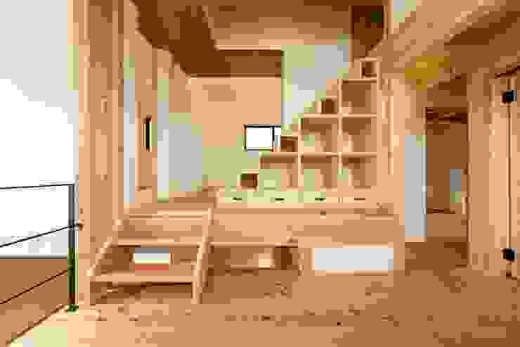 de 荒井好一郎建築設計室 Moderno