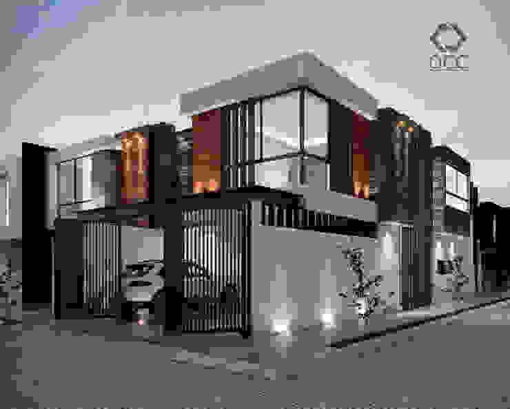 Casa GA: Fachadas de Constructora OCC Moderno