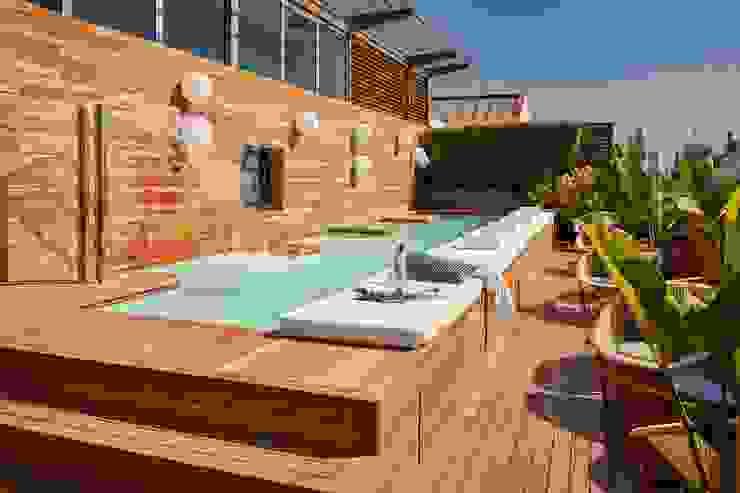 Exterpark Hoteles de estilo moderno Madera maciza