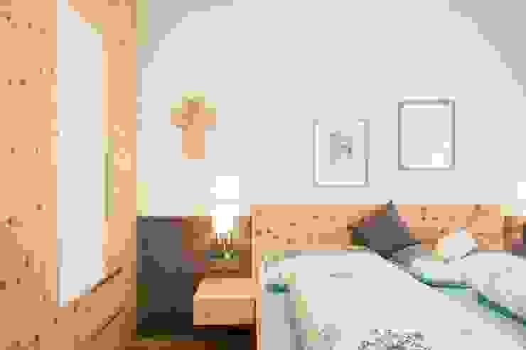 Laserer Tischlerei & Küchenstudio Salzburg BedroomBeds & headboards