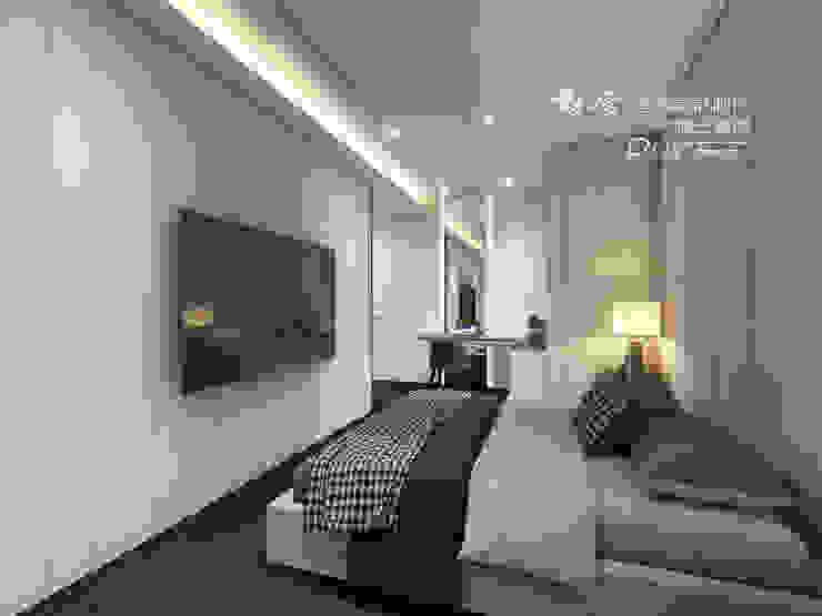 主臥/化妝台/木地板/現代風 根據 木博士團隊/動念室內設計制作 現代風
