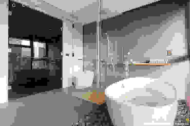 主臥衛浴 現代浴室設計點子、靈感&圖片 根據 光合作用設計有限公司 現代風