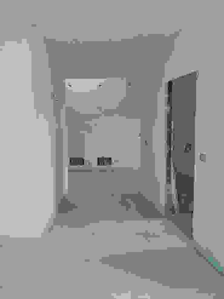 Foto Cantiere_piano open space 2 di antonio felicetti architettura & interior design Moderno