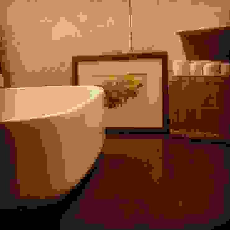 Dettaglio Zona Lavabo Bagno moderno di antonio felicetti architettura & interior design Moderno Ceramica