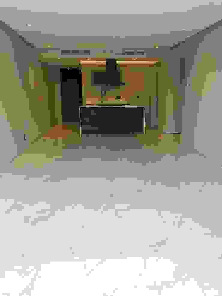 Inmobiliaria Punto 30 Modern kitchen