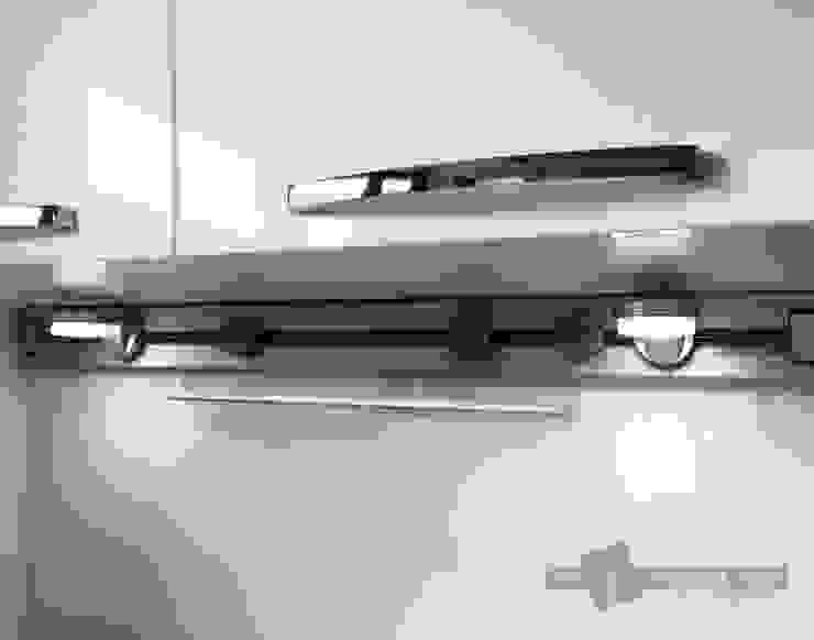 【實裝案例x2020/愛錸設計-劉建築師】 現代廚房設計點子、靈感&圖片 根據 一宇建材有限公司 現代風