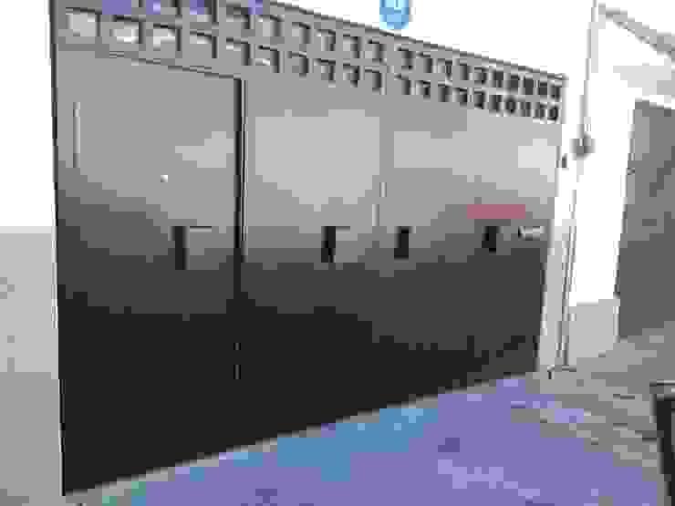 PUERTAS AUTOMÁTICAS GROSSMANN pintu depan Metal