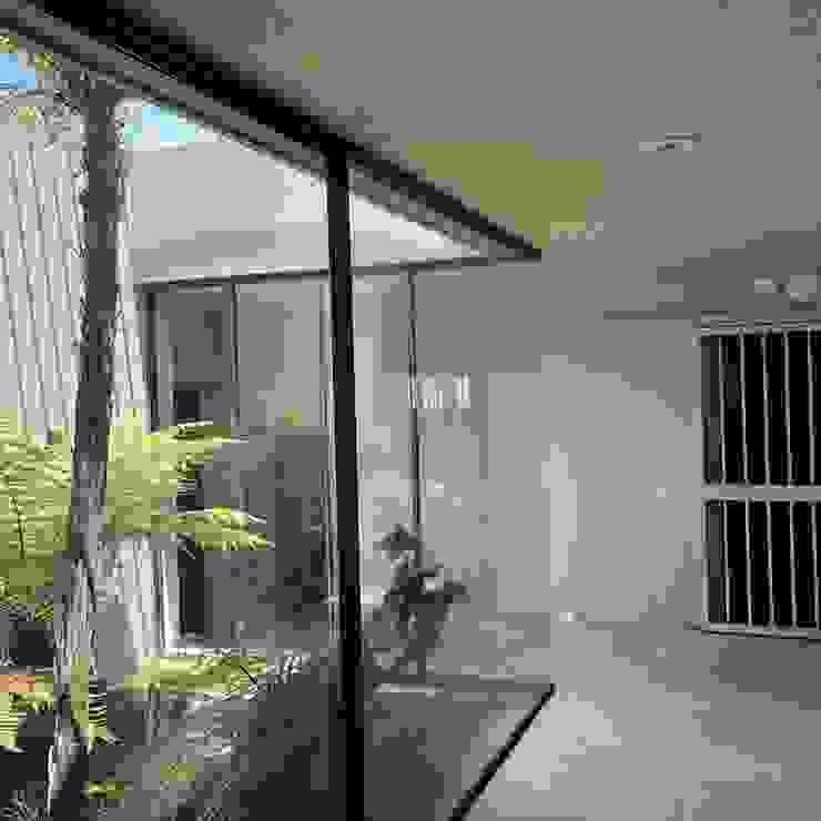 SimpliMation Pty Ltd Couloir, entrée, escaliers modernes