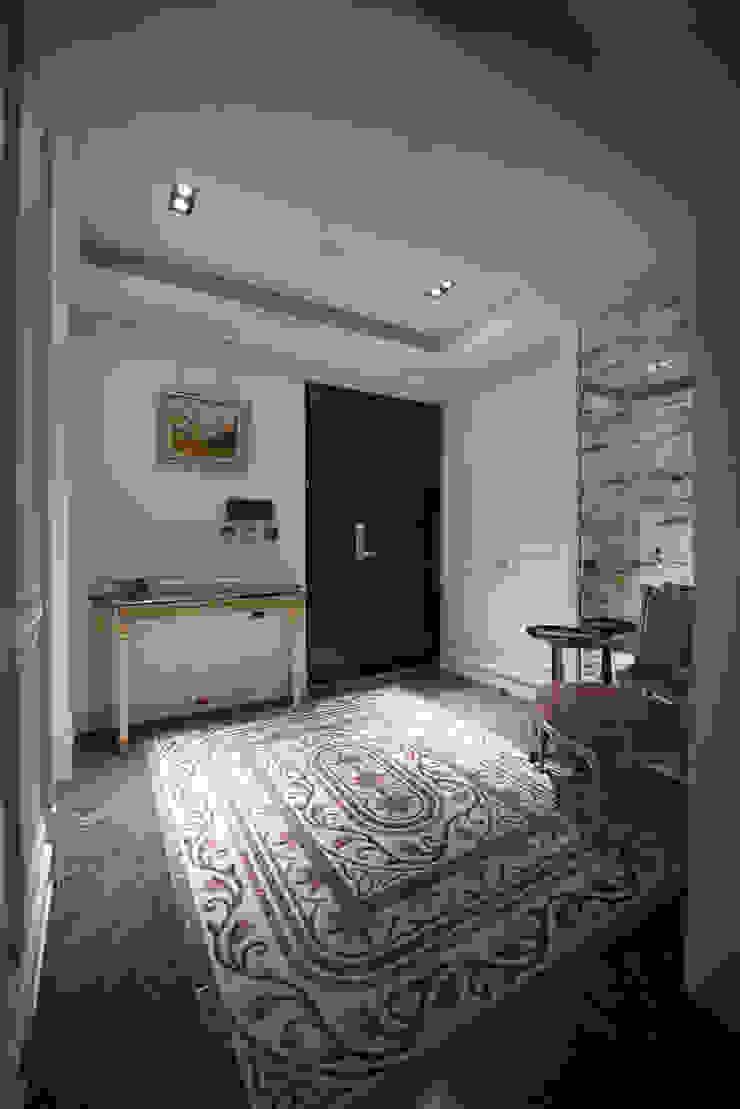 玄關 Classic style corridor, hallway and stairs by 璞爵設計Project Design Classic