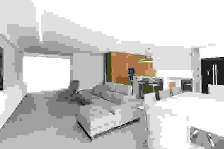 Interior | Sala de Jantar CVZ Construções Salas de estar modernas Branco