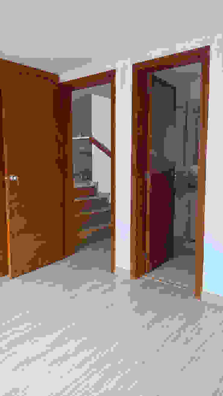 CARPINTERIA de A Urbano Construcciones S.A.S Moderno Madera Acabado en madera