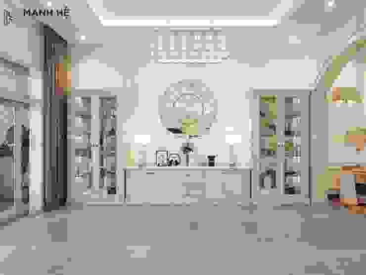 Hệ tủ trang trí bằng gỗ tự nhiên sơn trắng Nhà bếp phong cách hiện đại bởi Công ty TNHH Nội Thất Mạnh Hệ Hiện đại