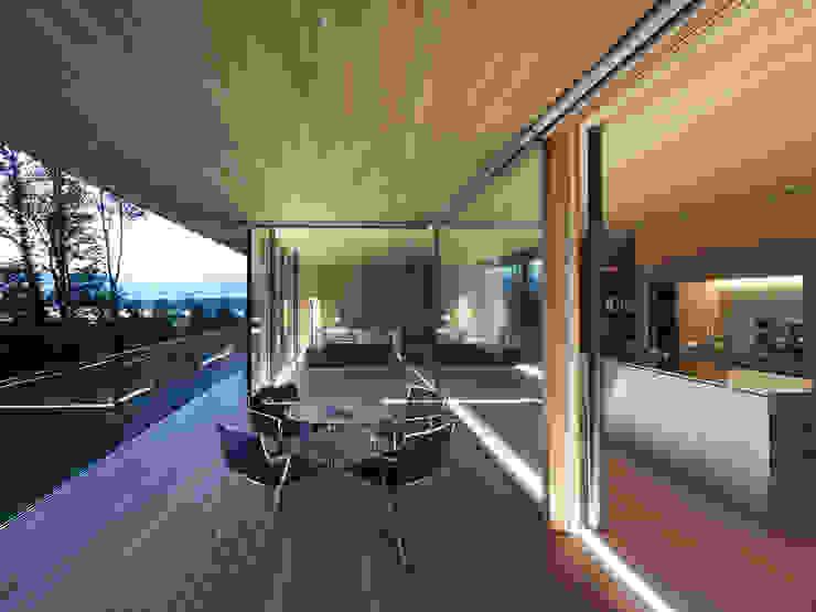 Dietrich   Untertrifaller Architekten ZT GmbH Modern Terrace