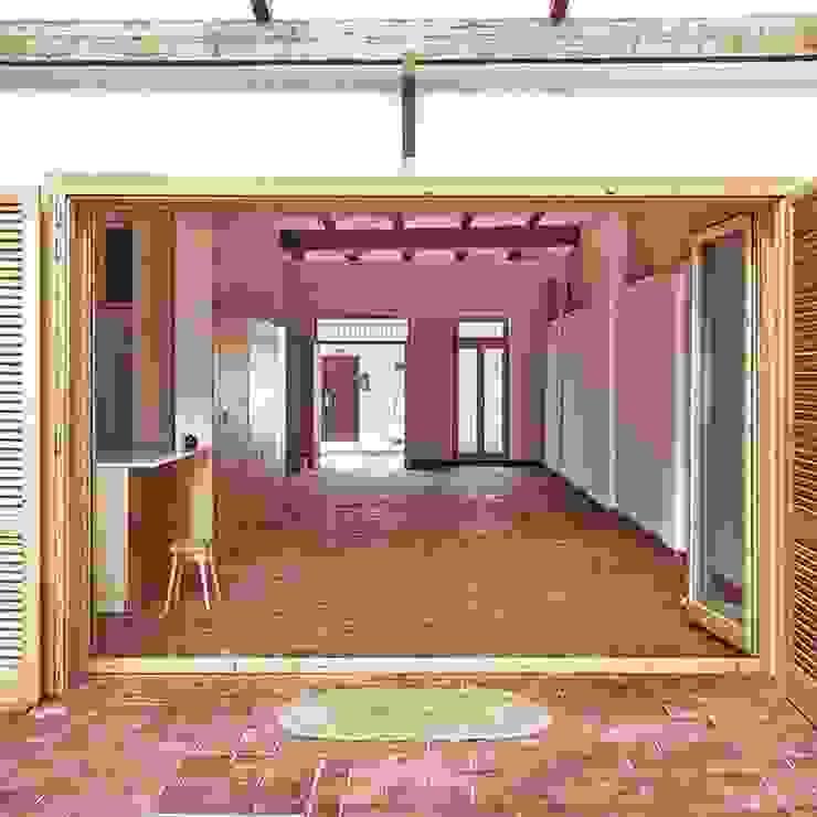 Reforma Rocaful, Cabanyal INVERSIONES EXPOSICIÓN SL Pasillos, vestíbulos y escaleras de estilo mediterráneo