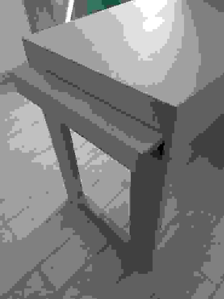 Carpintaria Senhora da Paz, Unipessoal Lda Dining roomTables Parket Wood effect