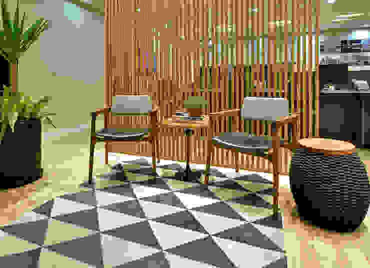 Escritório de Advocacia e Relações Institucionais AVR Studio Arquitetura Lojas & Imóveis comerciais modernos Preto