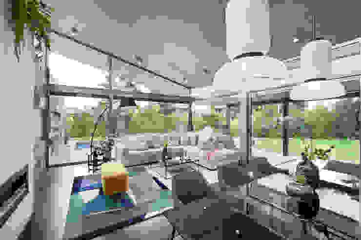 Salas modernas de Egue y Seta Moderno