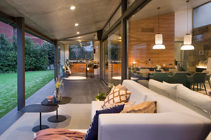 Balcones y terrazas de estilo moderno de Egue y Seta Moderno