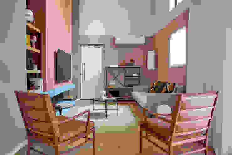 Restyling e Color Design per Appartamento a Città del Capo Soggiorno moderno di Alessandra Pisi / Pisi Design Architetti Moderno