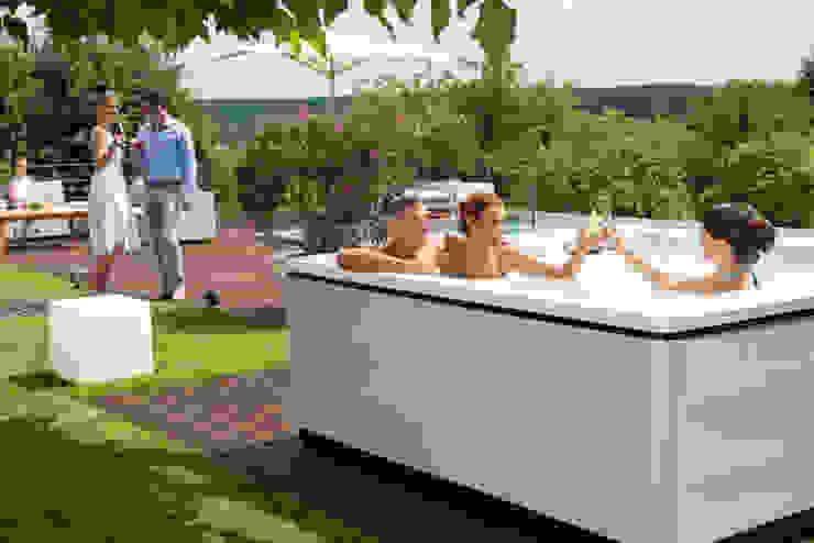 SPA Deluxe GmbH - Whirlpools in Senden Jardines de estilo moderno