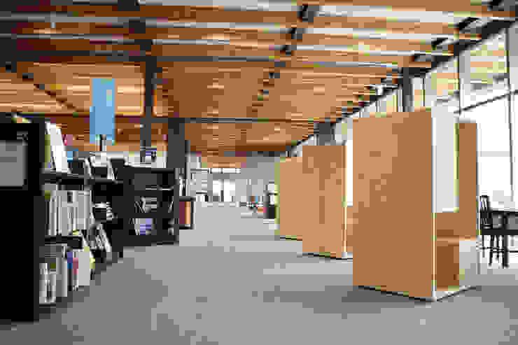 株式会社 大雪木工 Study/office Wood Wood effect