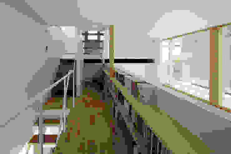 おやまだいのいえ 國分大輔建築設計事務所 階段 無垢材