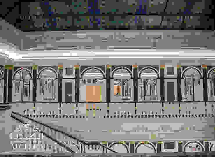 Classic corridor, hallway & stairs by Algedra Interior Design Classic