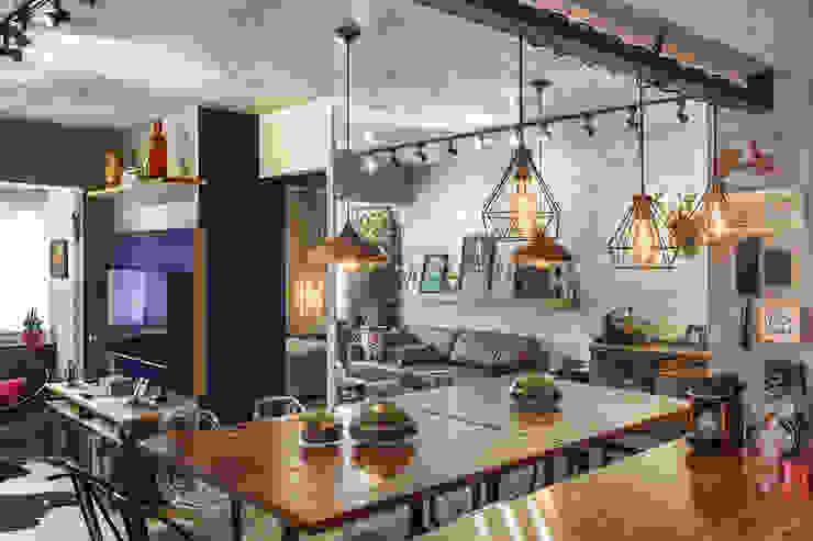 Sala de jantar Menniti Arquitetura Salas de jantar industriais