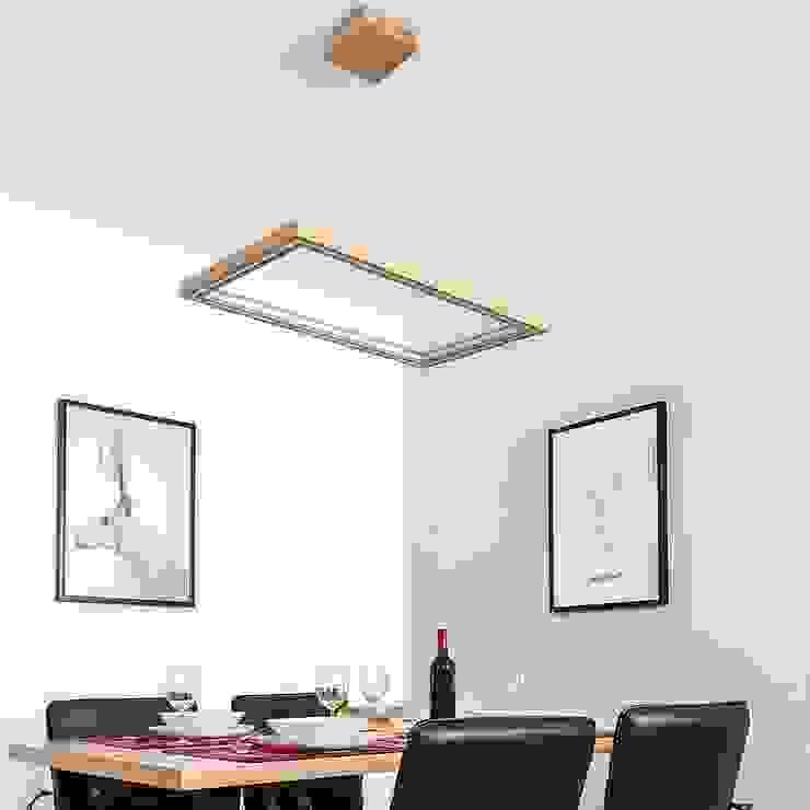 Holzlampen für ein angenehmes Ambiente von Skapetze Lichtmacher Landhaus Holz Holznachbildung