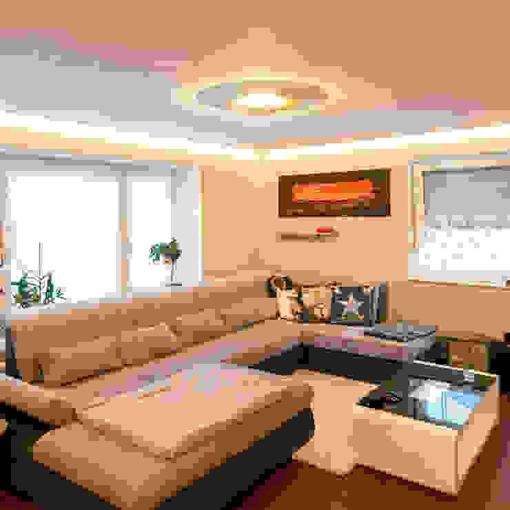 Moderne LED-Deckenleuchten im Wohnzimmer: modern  von Skapetze Lichtmacher,Modern Metall