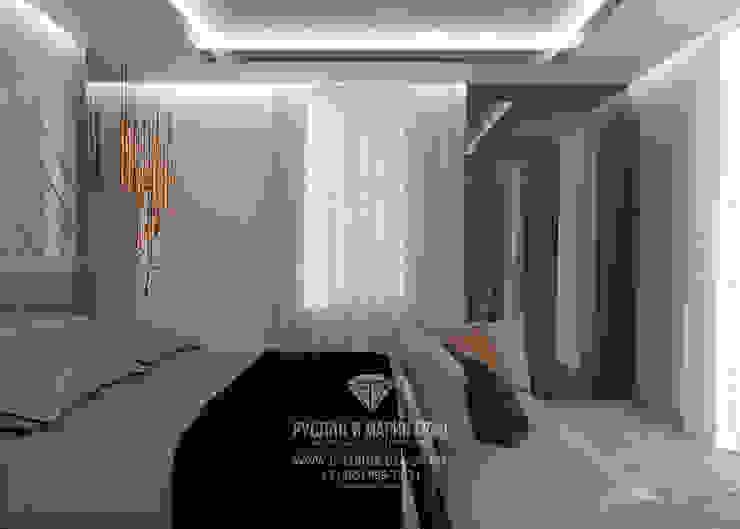 Студия дизайна интерьера Руслана и Марии Грин Dormitorios de estilo ecléctico
