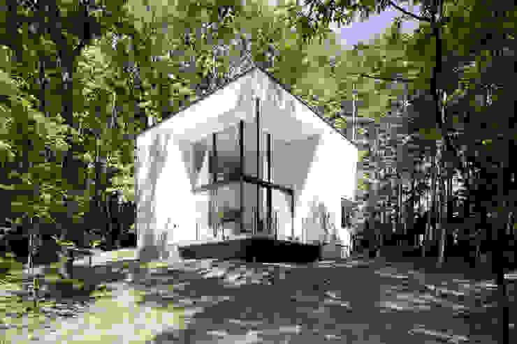 atelier137 ARCHITECTURAL DESIGN OFFICE Casas de campo Blanco