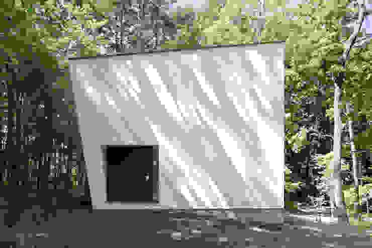 atelier137 ARCHITECTURAL DESIGN OFFICE Casas modernas Blanco