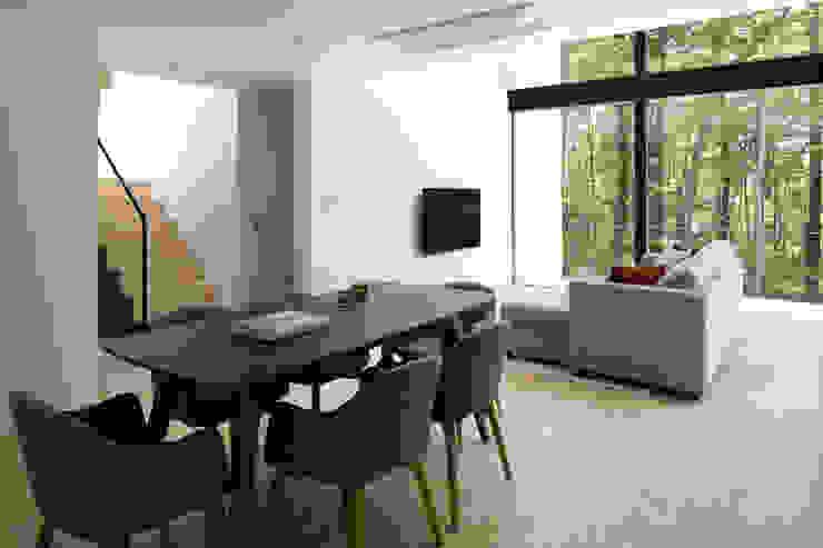 atelier137 ARCHITECTURAL DESIGN OFFICE Salas de estilo moderno