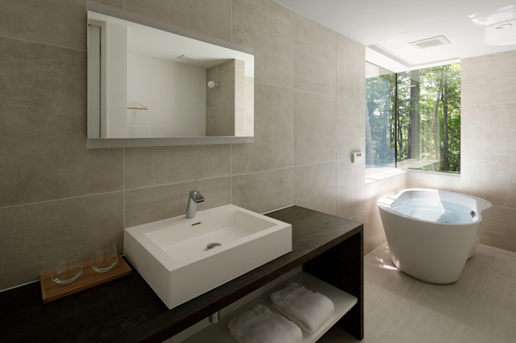 atelier137 ARCHITECTURAL DESIGN OFFICE Baños de estilo moderno Azulejos