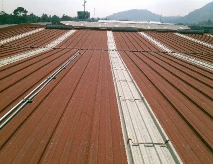 GRUPO MEVA CONSTRUCCION, S.A DE C.V. Roof terrace Metal Red